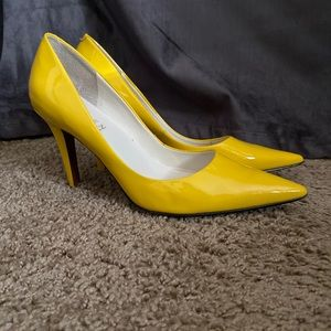 Ralph Lauren Yellow Leather Kitten Heels